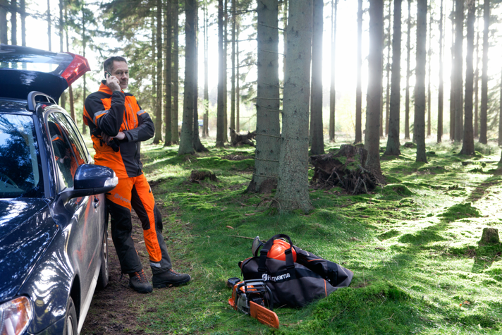 Chainsaw Safety – Avoid working alone